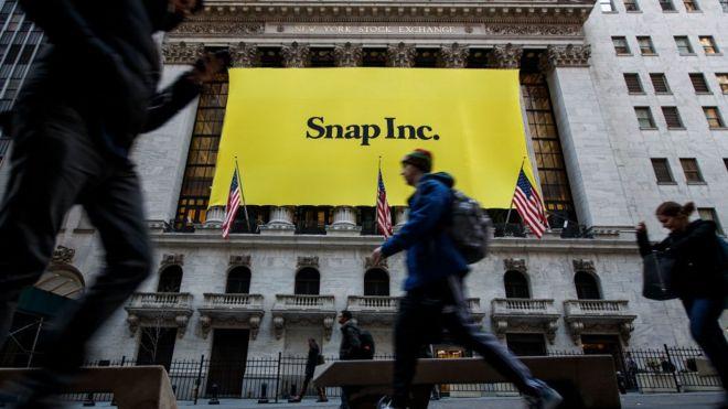 Snapchat hisseleri yavaş büyümeye bağlı olarak düştü