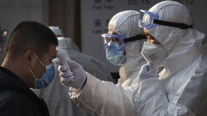 Hebei: China locks down 400,000 people after virus spike near Beijing