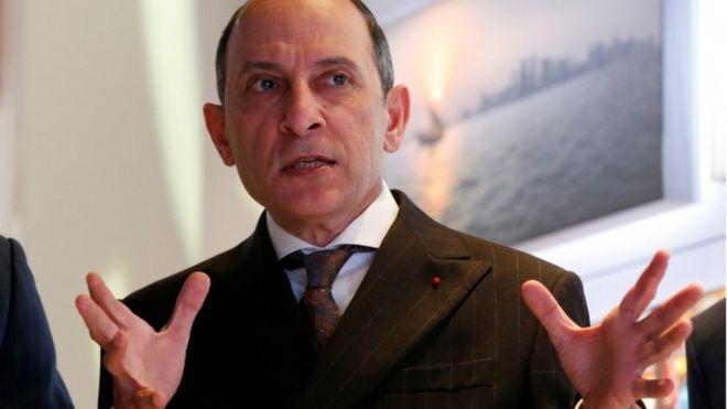 Qatar Airways boss in 'heartfelt apology' for sexist remark - BBC News