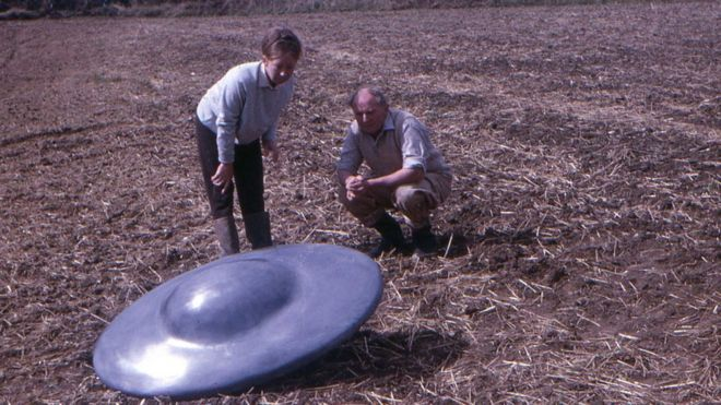 """""""Disco voador"""" em plantação de Chippenham"""