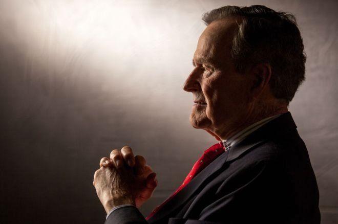 كيف عاش جورج بوش الأب حياته؟