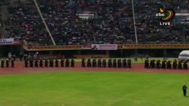 MNANGAGWA AAPISHWA KUWA RAIS WA ZIMBABWE BAADA YA MUGABE KUJIUZULU KWA SHINGO UPANDE