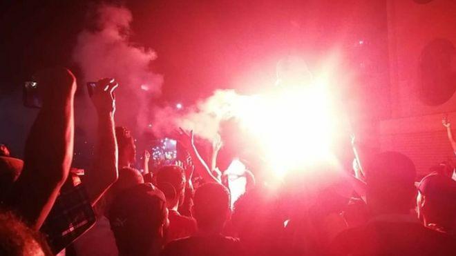 Süveyş'te yaklaşık 200 kişi Cumartesi gecesi protestolara katıldı