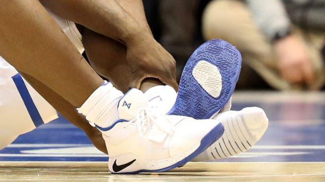 De Y Lesión Ha WilliamsonCómo Un Zion A Al Roto Puesto Nike Zapato q543RjLA