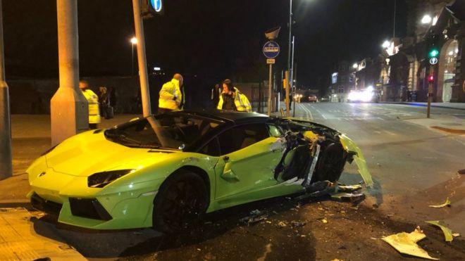 Lamborghini Badly Damaged In Nottingham Bus Crash Bbc News