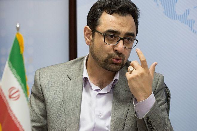 احمد عراقچی مرداد ماه ۱۳۹۶ به معاونت ارزی بانک مرکزی منصوب شد و یکسال بعد بازداشت شد