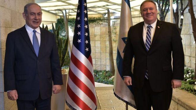 مايك بومبيو (إلى اليمين) وبنيامين نتنياهو