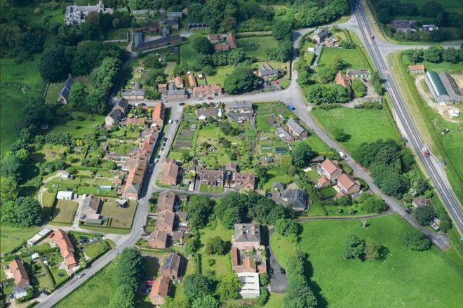 Деревня, выставленная на продажу за £20 млн, нашла покупателя