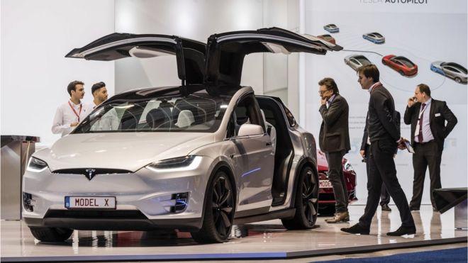 在今年1月的歐洲車展上的特斯拉Model X
