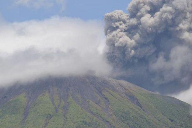 Gunung Gamalama Di Maluku Utara Meletus Menyusul Letusan Gunung