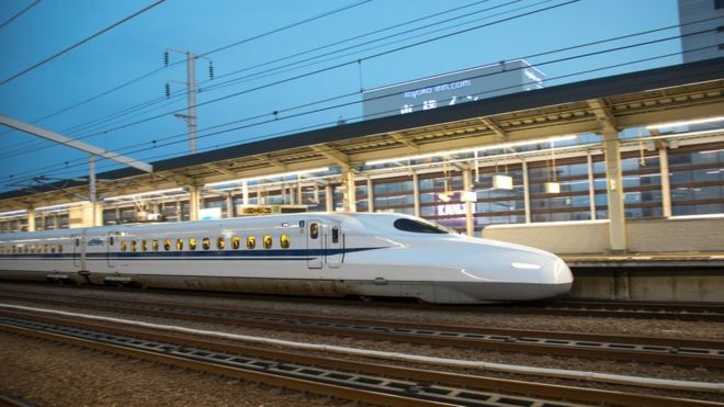 d49bbbddb Japan bullet train stops 'scary' safety drills - BBC News