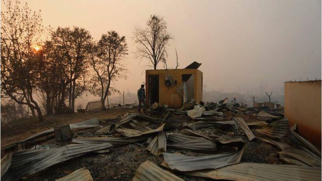 Casas destrozadas en Santa Olga.