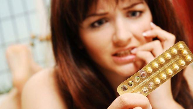 dolor de senos por dejar anticonceptivos