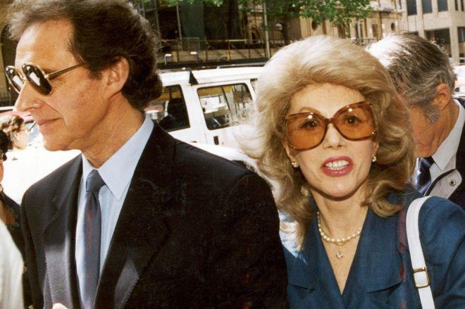 Anne Hamilton-Byrne ve eşi, 1993'te Melbourne'de görülen davaya gelirken.