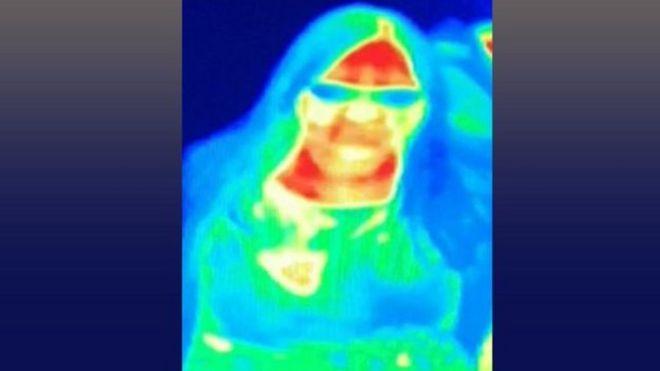 Müzedeki termal kamerada Gill'in göğsünde farklı bir renk görüldü