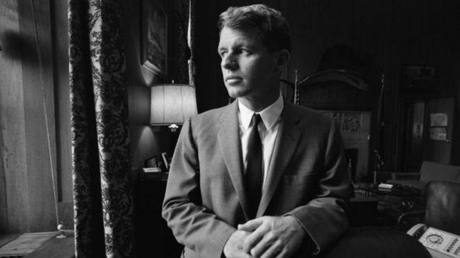 羅伯特·肯尼迪,美國總統約翰·肯尼迪的弟弟,1968年6月5日遇刺,年僅42歲。