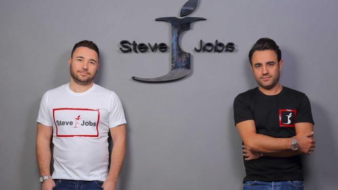 d99404e6054 La curiosa batalla que dos hermanos italianos le ganaron a Apple por la  marca Steve Jobs