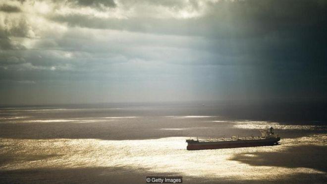 Cuộc chinh phục và tàn phá đáy biển của con người
