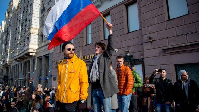 Большинство граждан России неготовы участвовать вмассовых акциях протеста