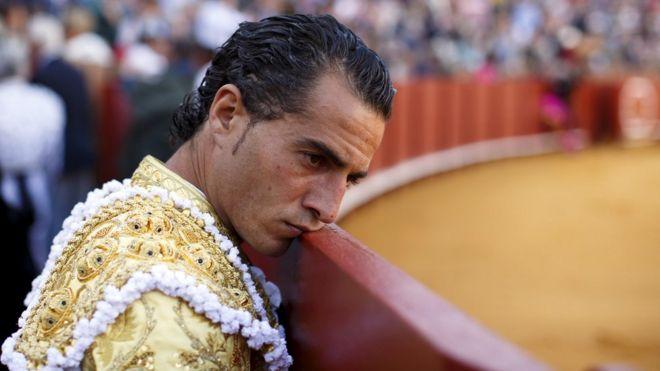 Фандино на старейшей в Испании арене для боя быков Маэстранса в Севилье в апреле 2015 года