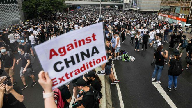 解説】 なぜ香港でデモが? 知っておくべき背景 - BBCニュース