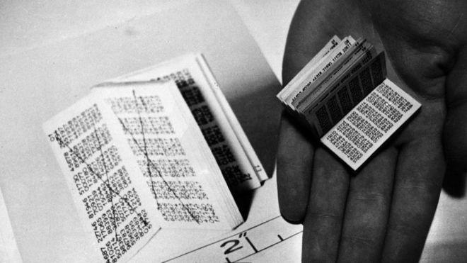 Считается, что сообщения, зашифрованные с помощью одноразовых таблиц, невозможно взломать