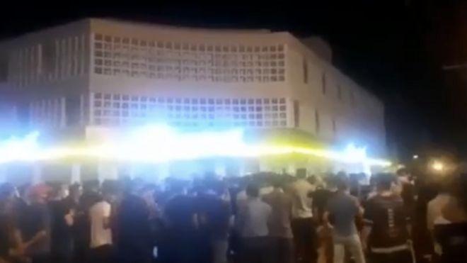 بخشی از فیلم منتشر شده از تجمع در شهر بهبهان