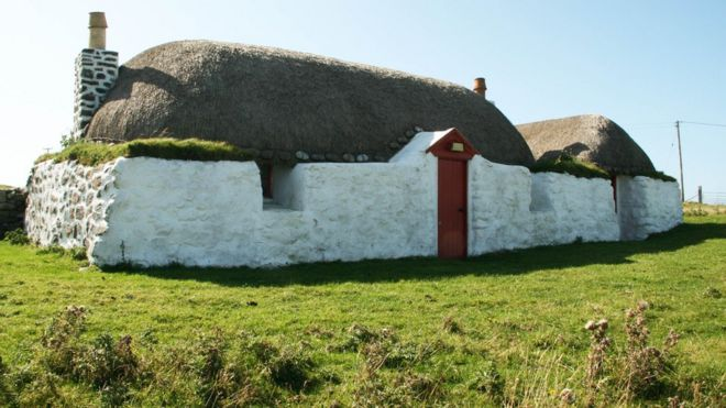 balevullin cottage on tiree - Thatched Rood