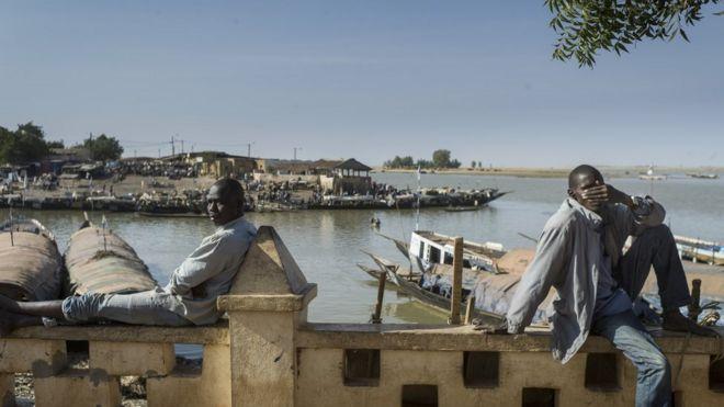 Vue sur le fleuve Niger à Mopti où peuls et dogons s'étaient affrontés vendredi.