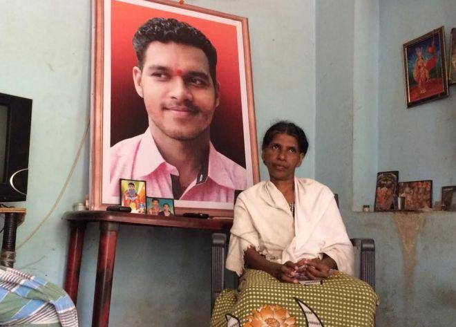 Why brutal murders dominate Kerala politics - BBC News