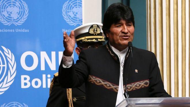 Evo Morales da un discurso