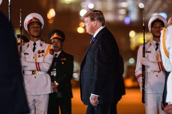 Trump đến Hà Nội tối qua