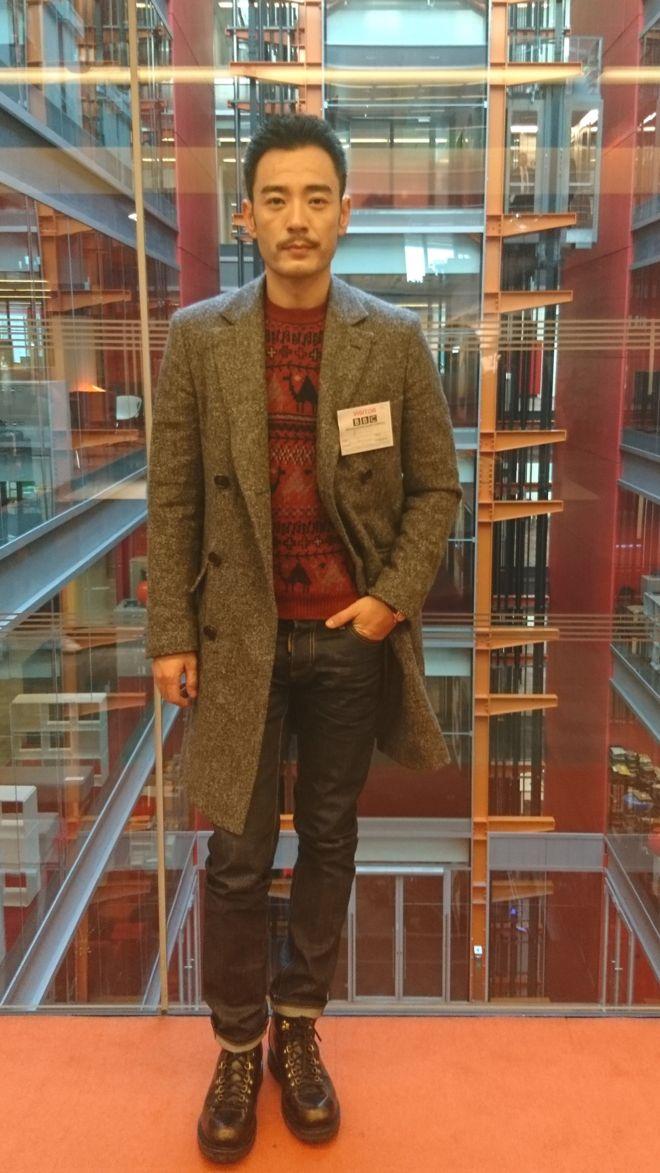 李光洁做体育直播客伦敦BBC总部大楼(摄影:子川)