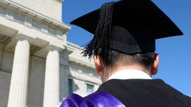 Có nhiều tiêu chí được áp dụng trong việc tuyển sinh vào cái đại học ở Mỹ