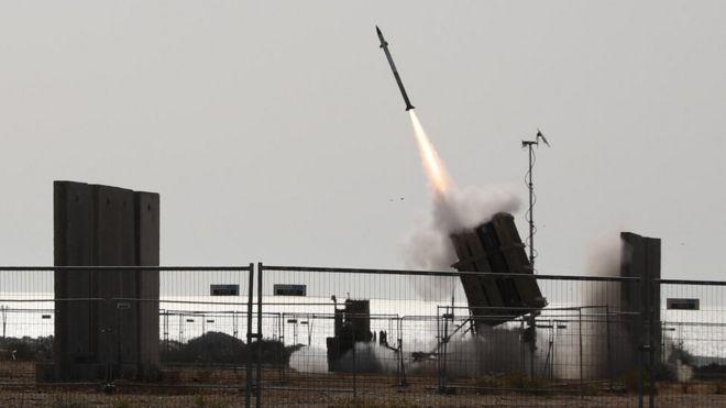 مسلحون في غزة أطلقوا عدة صواريخ على إسرائيل.