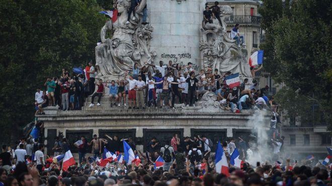 Paris'te Republique (Cumhuriyet) Meydanı