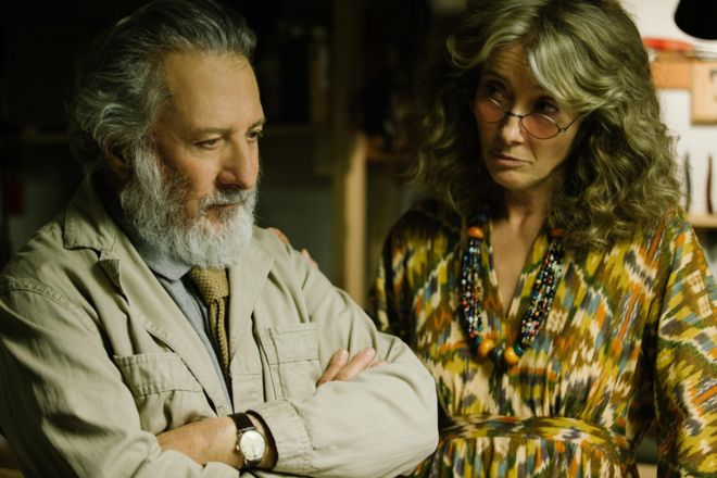 A still from The Meyerowitz Stories featuring Justin Hoffman and Emma Thompson
