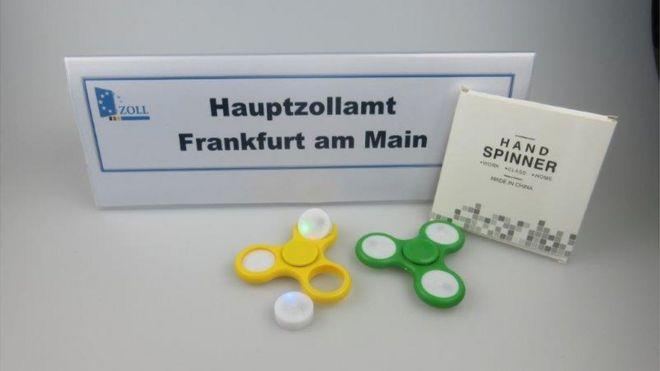 ¿Por qué Frankfurt confiscó 35 toneladas de fidget spinners, el juguete que fascina a los niños?