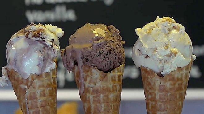 Don't lick ice cream, advises Turkish etiquette course - BBC