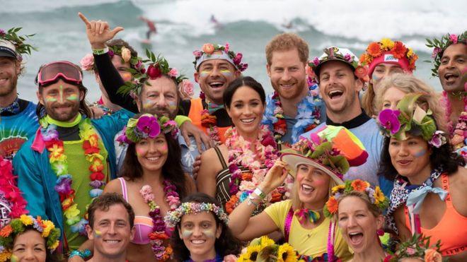 29819260b4 Royal tour  Harry and Meghan kick off their shoes on Bondi Beach ...