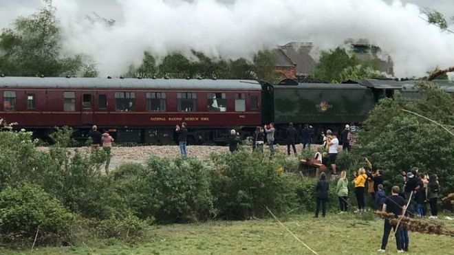 Train spotters
