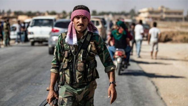 Chế độ Syria đang tiến về biên giới Thổ Nhĩ Kỳ sau khi Damascus đạt được thỏa thuận với lực lượng người Kurd