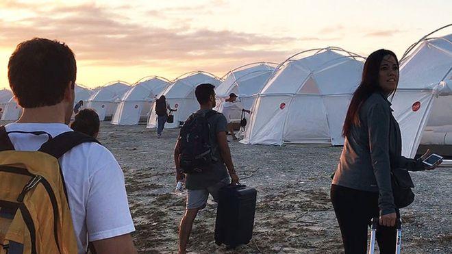 Fyre Festival: Inside the world's biggest festival flop - BBC News
