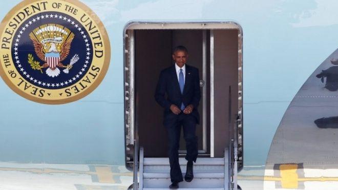Barack Obama llega al aeropuerto internacional de Hangzhou.