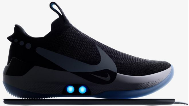 8117b01d292 Nike app for self-tying shoe comes undone - BBC News