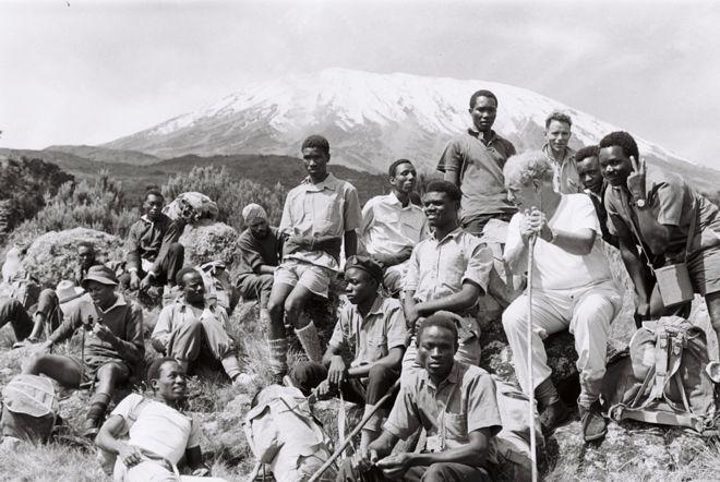 Trek participants at Mount Kilimanjaro including Sightsavers' founder John Wilson
