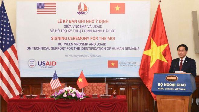 Đại diện Việt Nam, Thứ trưởng Thường trực Bộ Ngoại giao Bùi Thanh Sơn tại buổi lễ