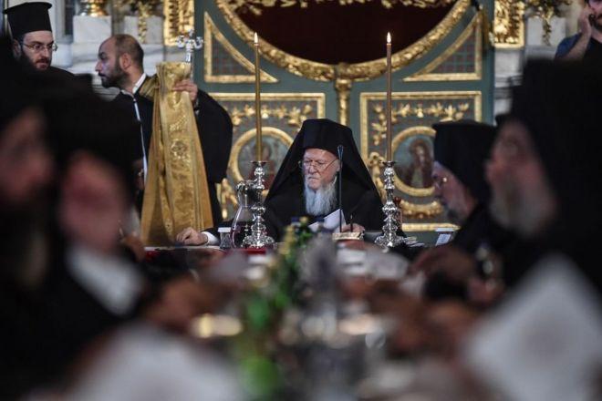 Патріарх Варфоломій на засіданні сінаксу Константинопольської церкви в Стамбулі