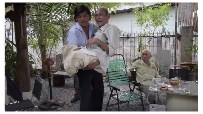 Một cảnh trong phim tài liệu của Andre Menras