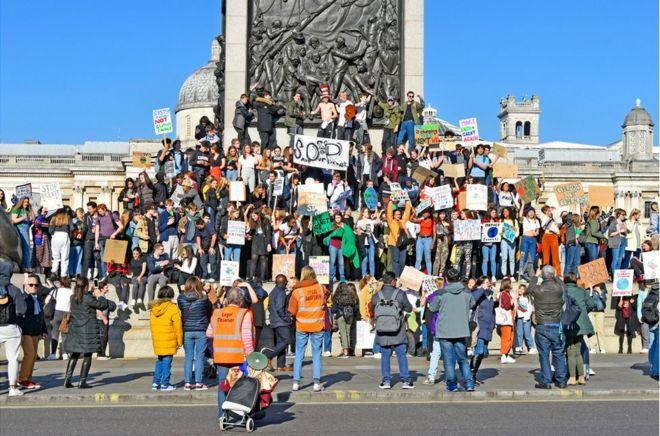 Mudaharaadayaal isugu yimid fagaaraha Trafalgar ee magaalada London